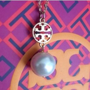 TORY BURCH AND CRYSTAL PEARL PENDANT